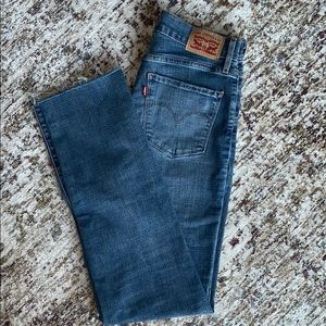 Levi's Jeans 724 high rise straight cut. Size 27